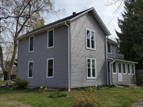 Vinyl Siding by Paramount Roofing and Siding